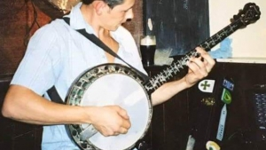 Family Seeks Lost Banjo for Funeral
