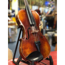 Old 4/4 violin Good quality solid spruce top with figured maple back & sides.