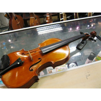4/4 Violin labelled Giovanni Lassaro 1955, in excellent condition with case and bow