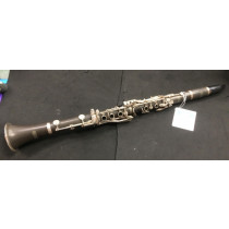 mirage clarinet outfit, with case, and selmer mouth piece. Two barrels, VGC