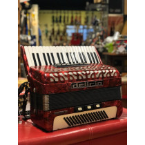 Delicia 80 bass accordion in red. 3 voice, plays well with case