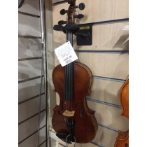 Vintage 3/4 trade violin made in Cheque Republic late 19th century. Original case and bow.