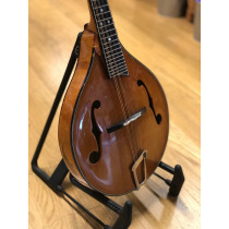 Phil Davidson A-style Mandolin. A beatiful F-hole mandolin in excellent condition, recently set up complete wi